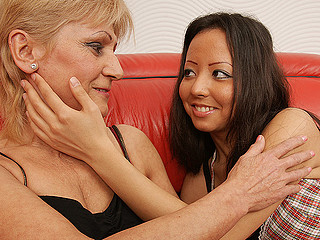 Two hawt old and juvenile lesbos get it on